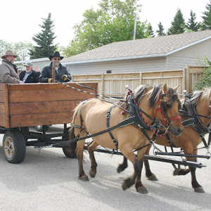 Linden hosts Vintage Parade in lieu of annual Sports Day