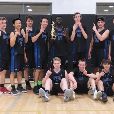 Three Hills Royals Sr. Boys Basketball team claim gold at the Battle of the Badlands
