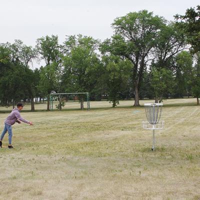 Three Hills opens new Disc Golf course on Prairie Campus