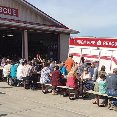 Fundraising breakfast held in Linden