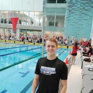 Local swimmer still making a splash